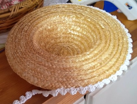 Straw Hat Crocheted Wall Hanging