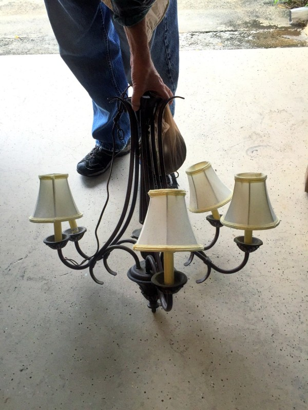 Revamping Chandeliers – Distressed Chandeliers