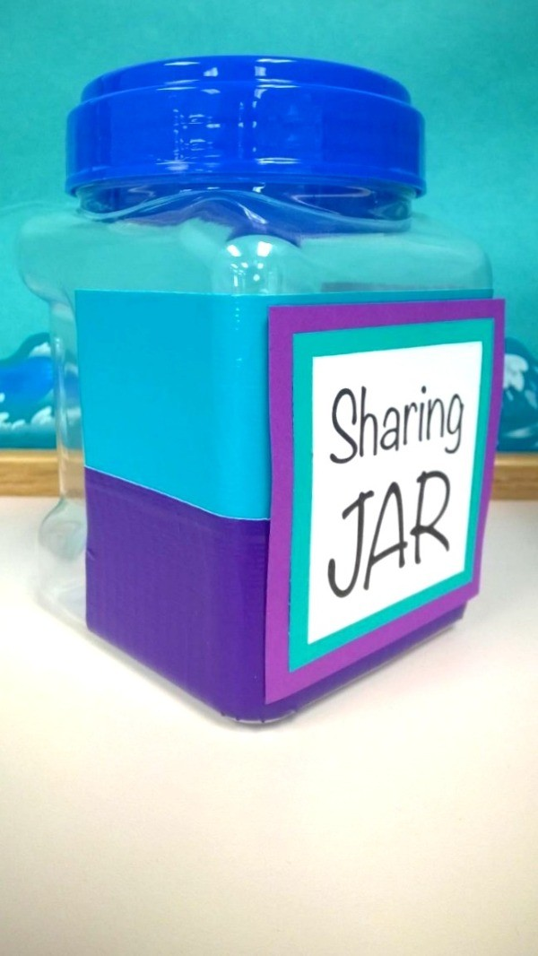 side view of the blue and violet jar