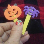 Jack 'O Lantern and spider stick puppets
