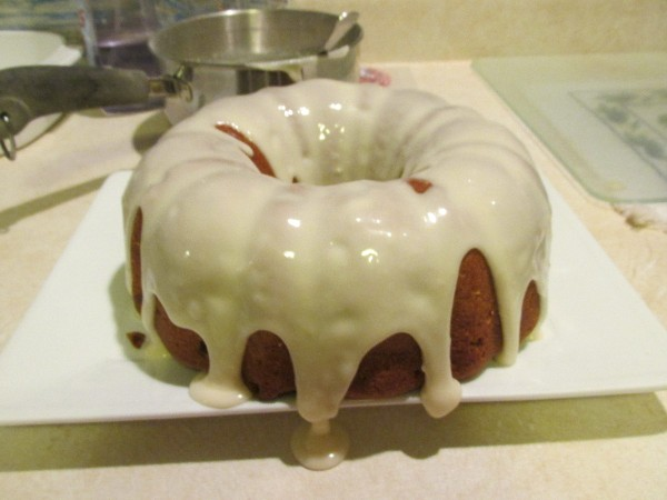 Recipe for applesauce raisin spice cake