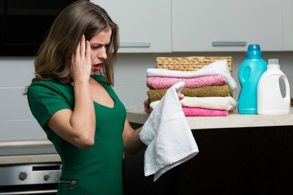 how to get grease out of clothes with vinegar