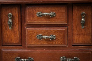 Removing musty odors from wood furniture thriftyfun for Musty smell in drawers