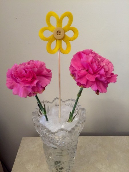 Perfectly Placed Flowers In A Vase Thriftyfun