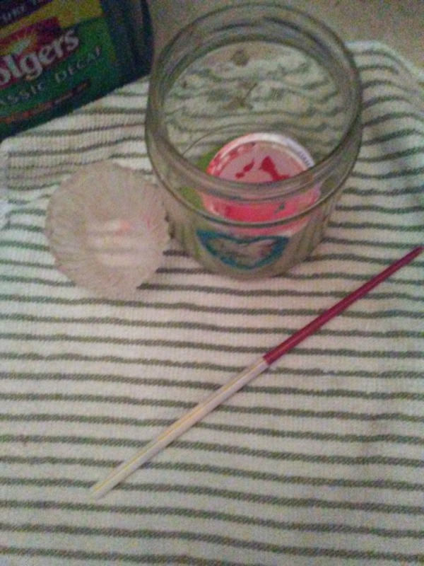 Protect Paint Brushes With a Straw - artist brush inside a drinking straw