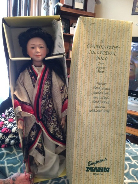 Identifying a Seymour Mann Porcelain Doll - geisha doll in box