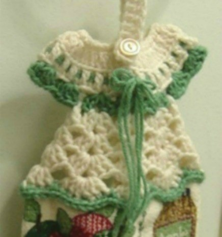 Crochet Patterns For Dish Towel Topper : Crocheted Towel Topper ThriftyFun