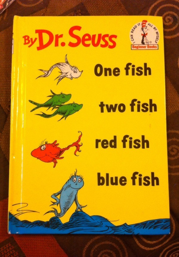 Dr seuss 39 one fish two fish 39 paper fish bowl craft for Book with fish bowl on cover