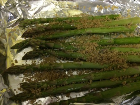 bread crumbs sprinkled on asparagus