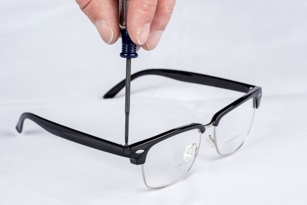 Nail Polish Glasses Frame : Use Clear Nail Polish to Secure Loose Screws on Glasses ...
