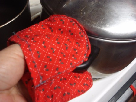 Pot Holders from Shoulder Pads - using to hold pot