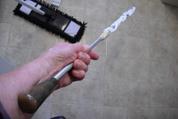 A shotgun cleaning rod.