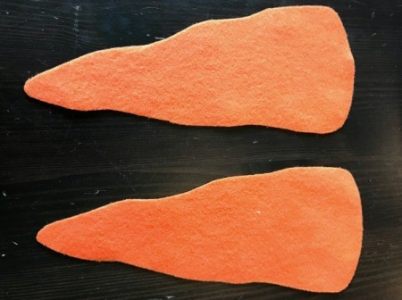 Felt Carrot Money Pocket -  you need to pieces for each pocket