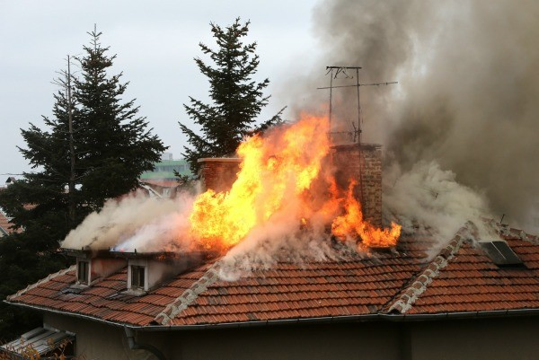 Charities to help someone whose house burned down thriftyfun for Anti incendie maison