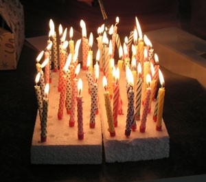 Use Styrofoam To Keep Candle Wax Off Your Birthday Cake