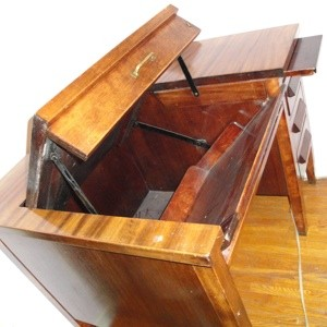 Magnificent What Type Of Desk Is This Thriftyfun Download Free Architecture Designs Embacsunscenecom
