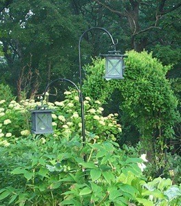 Garden: Shepherds Hooks With Lanterns