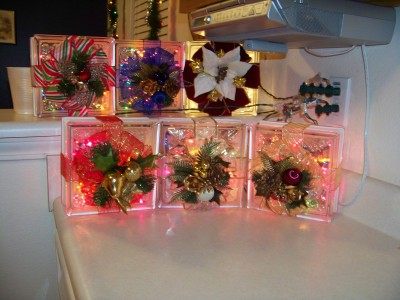Selling glass block crafts thriftyfun for Glass blocks for crafts lowes