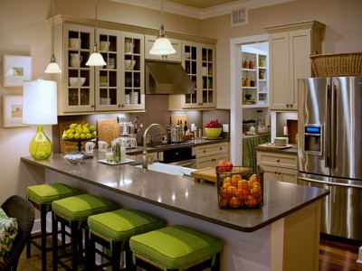 RE: Paint Color Advice for Kitchen With Cream Cabinets