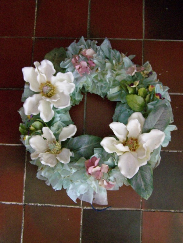 Photo of a Pale Green Plastic Bag Wreath