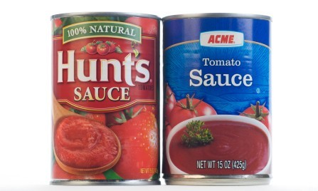 picture of a name brand tomato sauce can and a generic tomoato sauce can