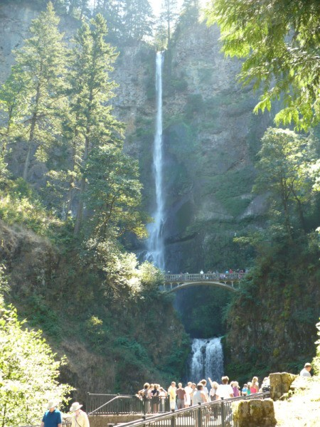 Multnomah Falls in Oregon, showing both the upper and lower falls.