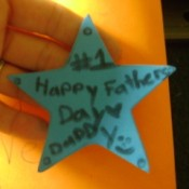 "Foam star with ""Happy Father's Day"" written on it"
