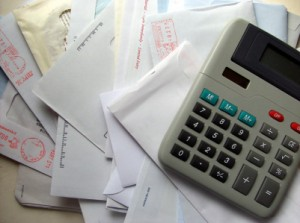 Paying Bills on Time, Bills and Calculator