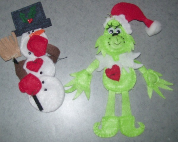 Grinch and Snowman magnents