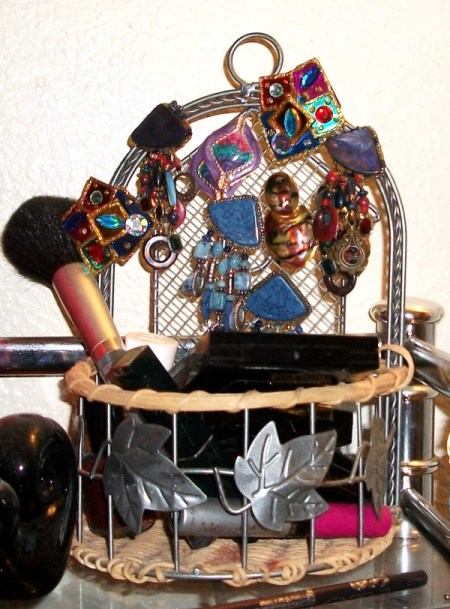 A basket for displaying earrings.