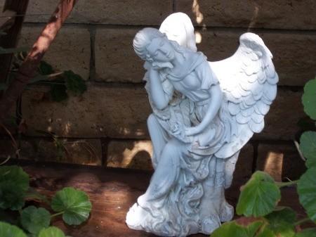 White Garden Angel Statue