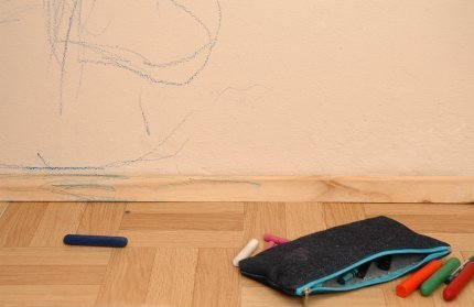 removing crayon from walls thriftyfun. Black Bedroom Furniture Sets. Home Design Ideas