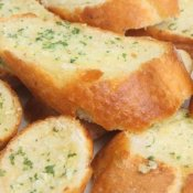 Slices of garlic bread.