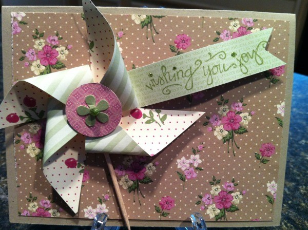Pretty double sided paper pinwheel card.