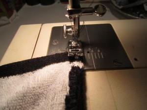 Zigzag stitch on towel
