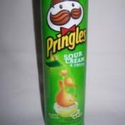 Pringles can.