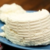 Fresh ricotta cheese.