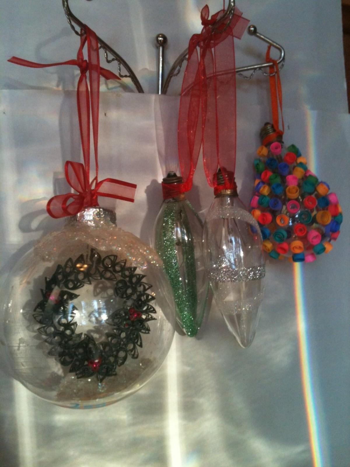 Recycled Light Bulb Christmas Ornaments | ThriftyFun