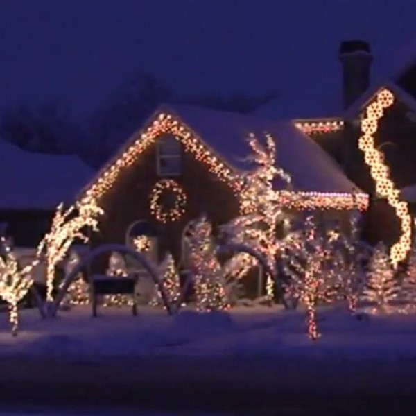 best christmas light shows house decorated in white christmas lights - Best Christmas Light Shows