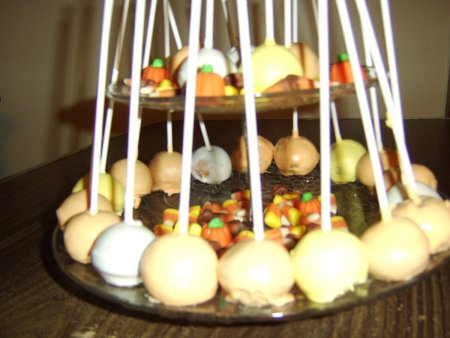 A tray of cake pops for Thanksgiving.