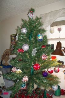 Pretty Little Christmas Tree with Homemade Ornaments