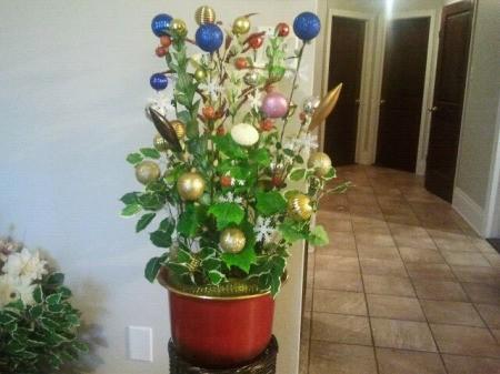 Unique Christmas arrangement