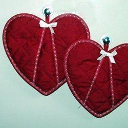 Heart Shaped Pot Mitt, Heart shaped pot or oven mitts.