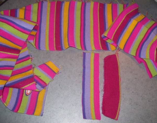 Multicolored knit scarf.