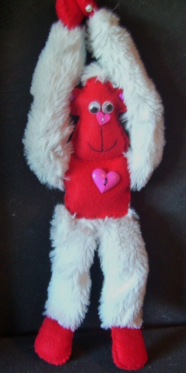 Finished red and white monkey.