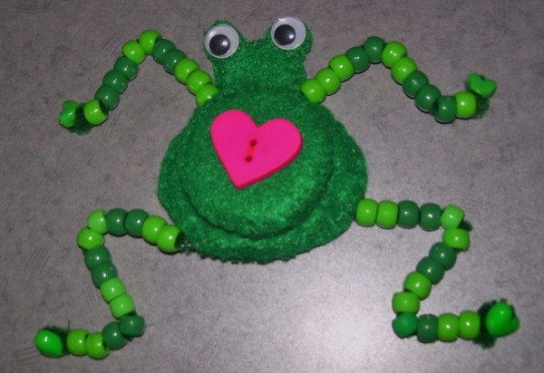 Funny Frog Valentine - Beads added to pipe cleaner legs.