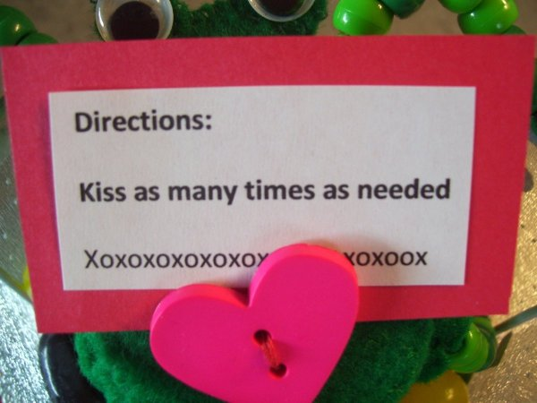 Funny Frog Valentine - Closeup of card with frog kissing directions.