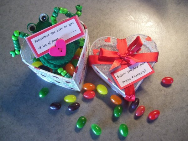 Funny Frog Valentine - Heart shaped box, frog, and jelly beans.
