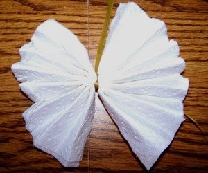 A bow made from a paper towel.