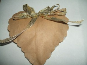 Ribbon bow added.